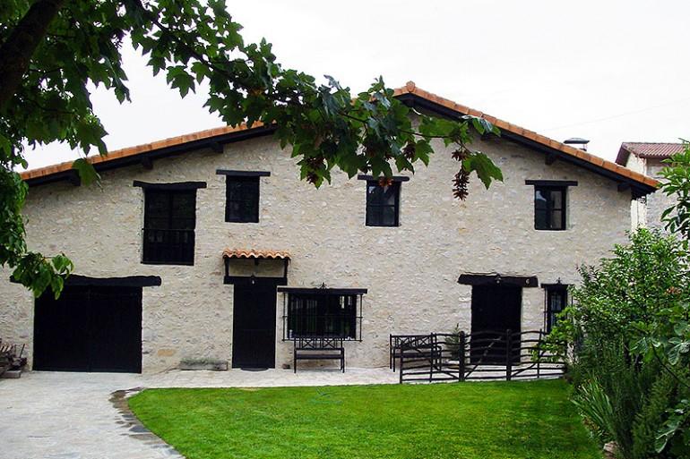 Foto de Arkamo Atea, en Valpuesta.com