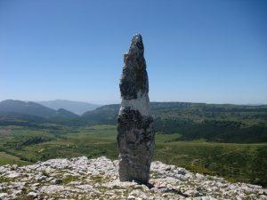 menhir de El Gustal. Foto: Añana Turismo