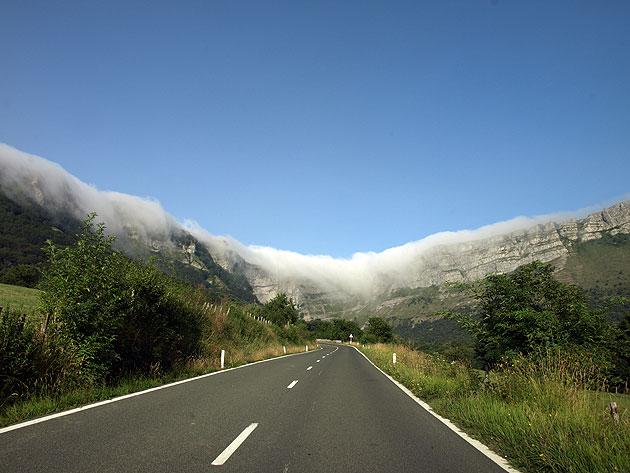 Puerto de Orduña con niebla