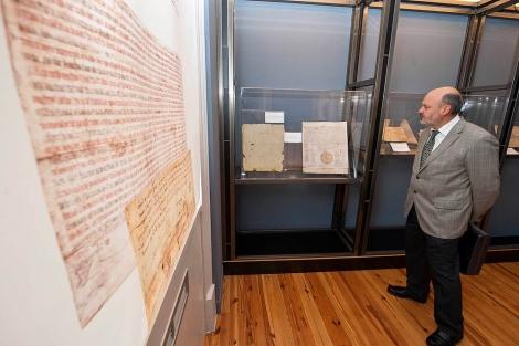 Burgos acoge una exposición sobre los orígenes del español con documentos y beatos