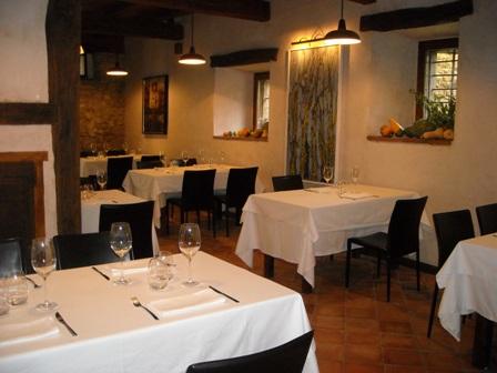 Restaurante Los Canónigos, en Valpuesta. Reserva o no cenas - slide 4