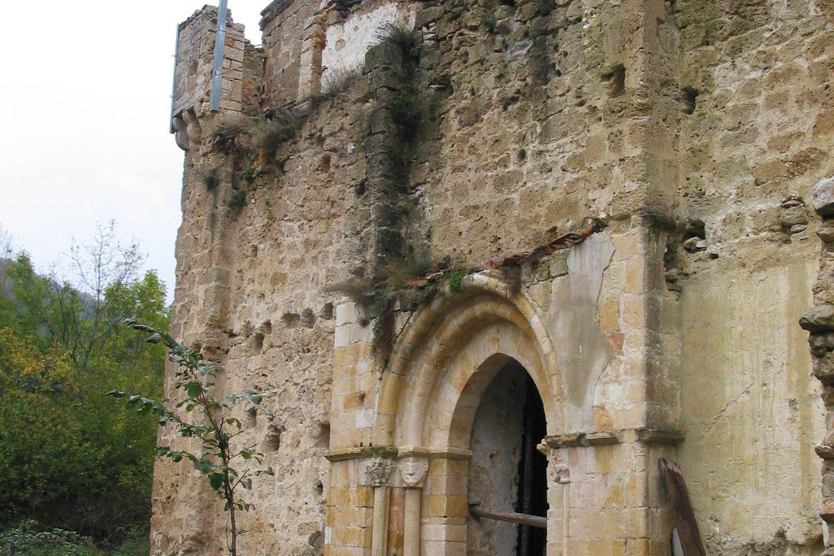 Visita la iglesia de San Esteban de Ribera (s. XII) y sus frescos medievales… - slide 6